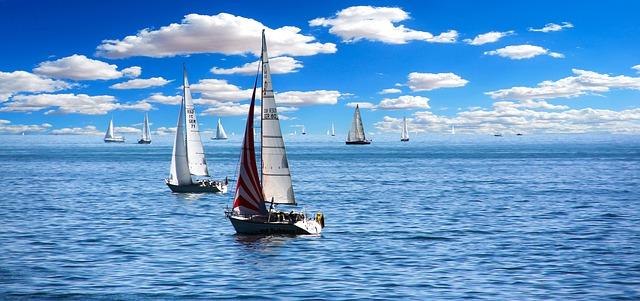sailing-boat-1593613_640.jpg